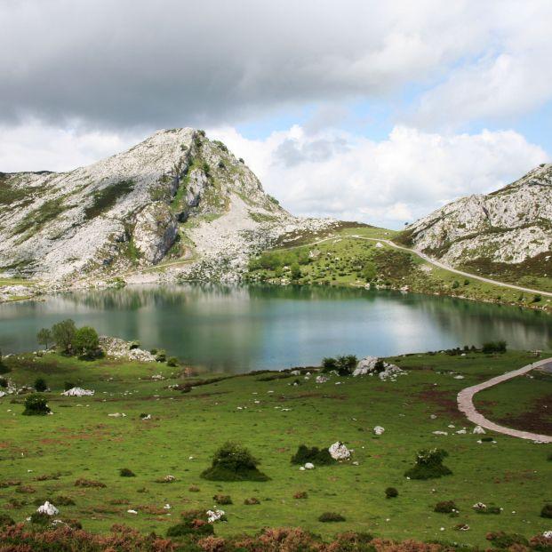Lago Enol wikimedia commons