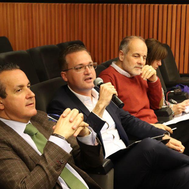 De izda. a dcha., Nacho Temiño (PP), Diego Clemente (Cs) y Joan Ruíz (PSC).