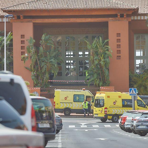Entrada cerrada al Hotel H10 Costa Adeje Palace. Coronavirus: ¿Corren peligro los viajes del Imserso?