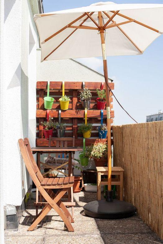 bigstock Small Area Of Urban Gardening  291429244