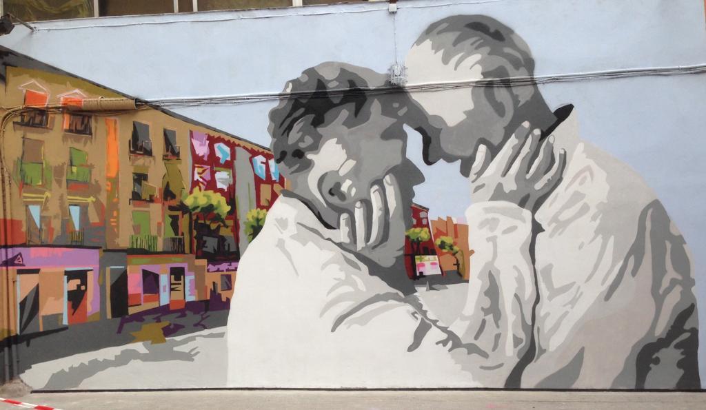 Un mural dedicado a los mayores decora las calles del madrileño barrio de Tetuán