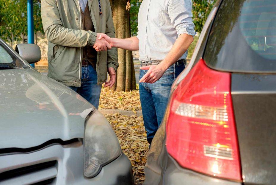 Cómo dar un parte amistoso al seguro sin papel ni boli
